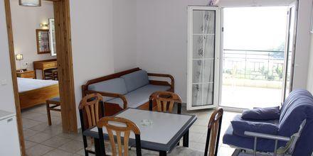Kaksio, hotelli Lichnos Bay Village. Parga, Kreikka.