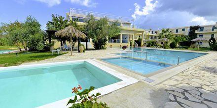 Allasalue. Hotelli Likithos Village, Korfu, Kreikka.