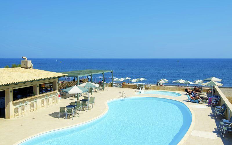 Allasalue. Hotelli Lissos, Platanias, Kreeta, Kreikka.