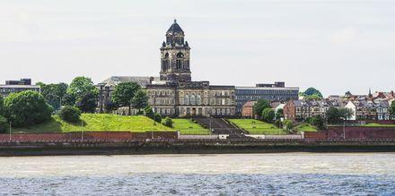 Merseyn joki Liverpoolissa.