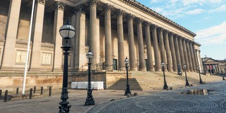 St. George Hall, tunnettu arkkitehtuurinen helmi Liverpoolissa.