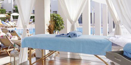 Hierontaa. Hotelli Los Olivos Beach Resort, Playa de las Americas.