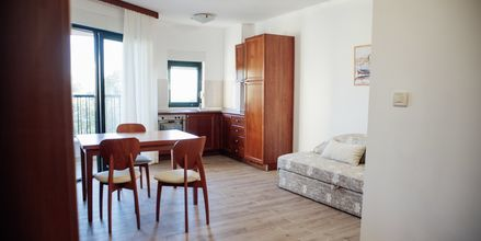 Kaksio. Huoneistohotelli Lucija, Makarska, Kroatia.