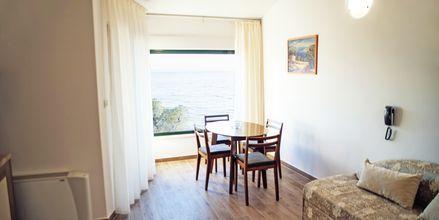 Kaksio remontoidussa osassa. Huoneistohotelli Lucija, Makarska, Kroatia.