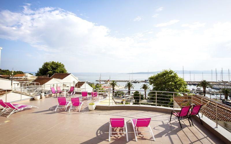 Näkymä hotellilta. Hotelli Luxur, Baska Voda, Kroatia.