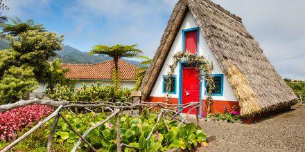 Perinteinen talo Santassa, Madeiralla.