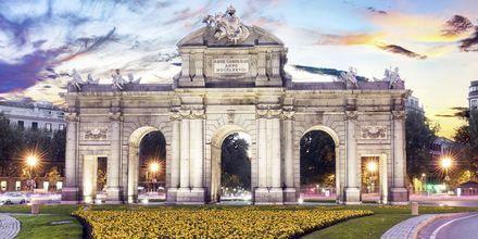 Madrid on Espanjan pääkaupunki, josta löytyy upeita nähtävyyksiä ja monumentteja.
