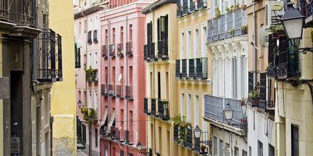 Lavapiésin kaupunginosassa on värikäs alue ja monikulttuurinen ympäristö – ehdottomasti vierailun arvoinen paikka.