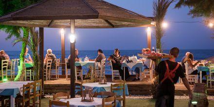 Tunnelmallisia illallisia. Maleme, Kreeta, Kreikka.