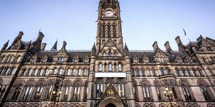 Manchesterin kaupungintalo on arvokas rakennus.