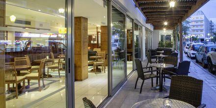Ravintola, Hotelli Manousos, Rodoksen kaupunki, Kreikka.