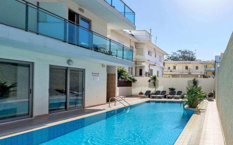 Allas, Hotelli Manousos, Rodoksen kaupunki, Kreikka.
