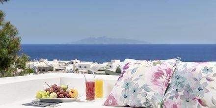 Näkymä hotellilta. Hotelli Mar & Mar Crown Suites, Santorini, Kreikka.