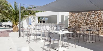 Allasbaari. Hotelli Mar & Mar Crown Suites, Santorini, Kreikka.