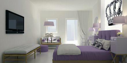 Superior-sviitti. Hotelli Mar & Mar Crown Suites, Santorini, Kreikka.