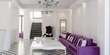 Aula. Hotelli Mar & Mar Crown Suites, Santorini, Kreikka.