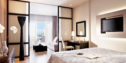 Superior perhehuone. Hotelli Marbella Corfu, Agios Ioannis Peristeron, Korfu, Kreikka.