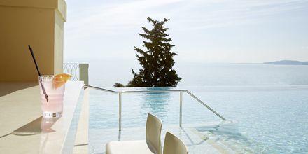 Allasbaari Aquavit, Hotelli MarBella Nido Suite Hotel & Villas, Korfu.
