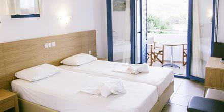 Kahden hengen huone. Hotelli Marcos Beach, Ios, Kreikka.