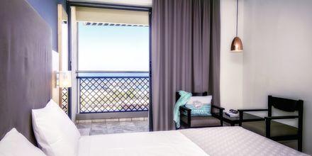 Kahden hengen huone merinäköalalla, Hotelli Marina Beach, Gouves, Kreeta.
