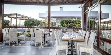 Ulkoterassi buffetravintolaan, Hotelli Marina Beach, Gouves, Kreeta.