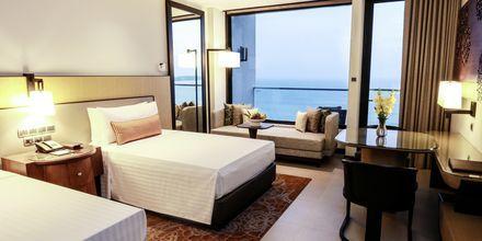 Superior-huone merinäköalalla. Hotelli Marriott Resort & Spa, Weligama Bay.