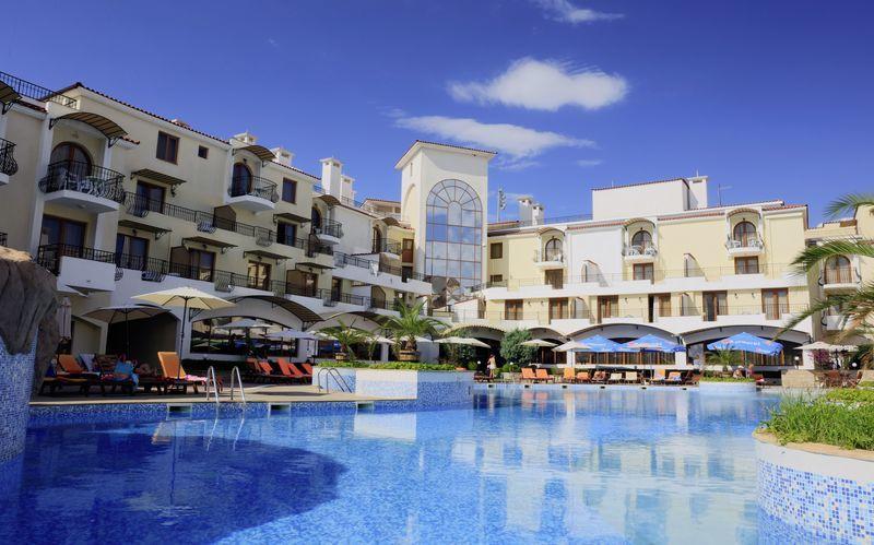 Allasalue, hotelli Martinez. Sozopol, Bulgaria.