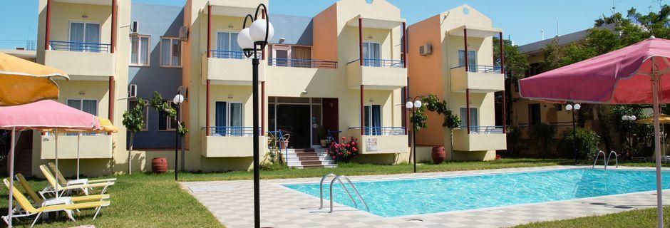 Allasalue. Hotelli Marva, Rethymnon, Kreeta.