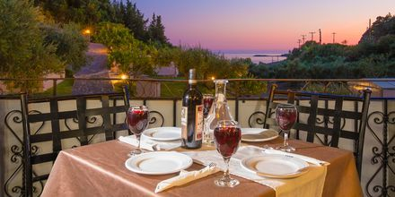 Ravintola, Hotelli Mega Ammos, Sivota, Kreikka.