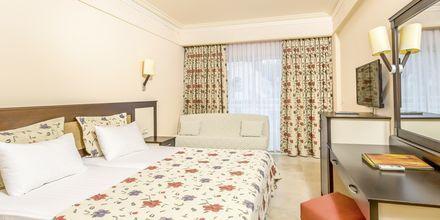 Kahden hengen huone. Hotelli Melas Holiday Village, Side, Turkki.