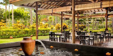 Ravintola, hotelli Melia Bali Villas & Spa. Nusa Dua, Bali.