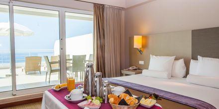 Sviitti, Hotelli Melia Madeira Mare, Funchal, Madeira.