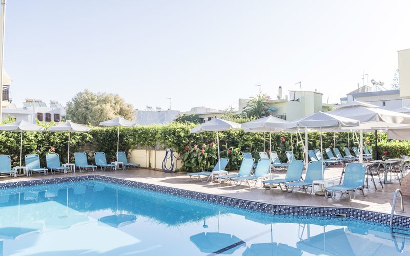 Allasalue. Hotelli Melmar, Rethymnonin kaupunki, Kreeta, Kreikka.