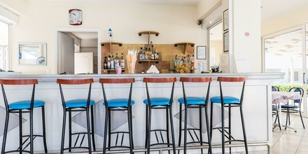 Bar. Hotelli Meridien Beach, Zakynthos.