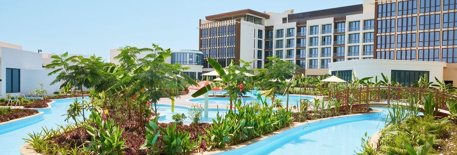 Allasalue, hotelli Millennium Salalah Resort. Oman.