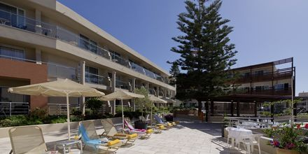 Aurinkotuoleja, Hotelli Minos, Rethymnon, Kreta