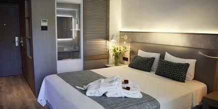 Kahden hengen huone, Hotelli Minos Mare, Rethymnon, Kreeta.