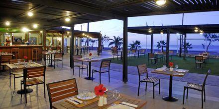 Rantaravintola, Hotelli Minos Mare Royal, Rethymnonin rannikko, Kreeta.