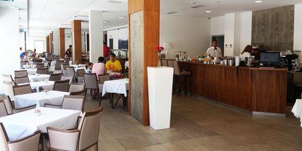 Ravintola, hotelli Miramare. Makarska, Kroatia.