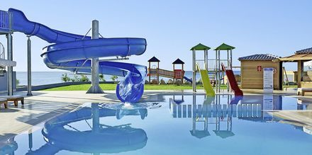Lastenallas. Hotelli Mitsis Alila Resort & Spa, Rodos, Kreikka.