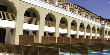 Kahden hengen huone omalla altaalla Hotelli Mitsis Blue Domes Resort & Spa, Kos, Kreikka.