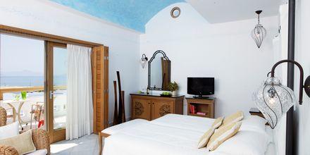 Kahden hengen huone bungalowissa, Hotelli Mitsis Blue Domes Resort & Spa, Kos, Kreikka.