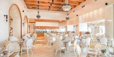 Pääravintola, Hotelli Mitsis Blue Domes Resort & Spa, Kos, Kreikka.