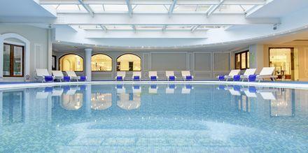 Sisäuima-allas, Mitsis Grand Hotel, Rodos, Kreikka.