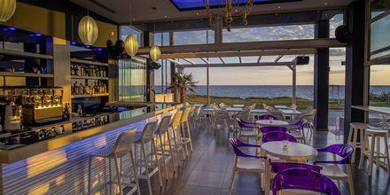 Baari, hotelli Must. Kanali, Kreikka.