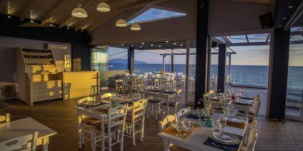 Ravintola, hotelli Must. Kanali, Kreikka.
