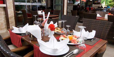 Ravintola, hotelli My Home. Alanya, Turkki.