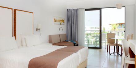 Yksiö. Hotelli Mythos Beach Resort, Afandou, Rodos.