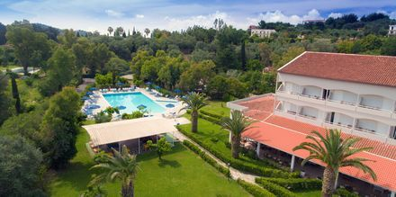 Allas. Hotelli Livadi Nafsika, Dassia, Korfu, Kreikka.