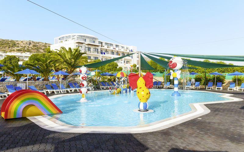 Lastenallas, Hotelli Nana Golden Beach, Hersonissos,Kreeta, Kreikka.